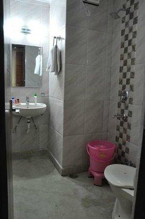 Hotel Re Pose Villa: BATHROOM