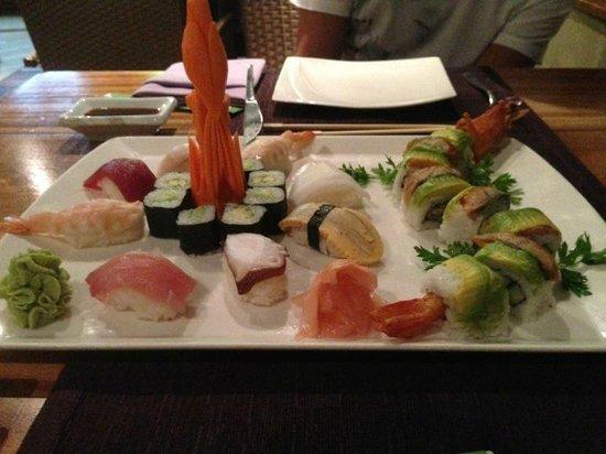 Oriental Garden Restaurante: surtido de sushi
