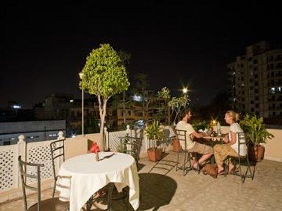 Hotel Bani Park Palace: roof