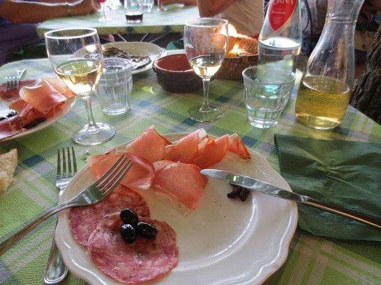 La Bottega di Volpaia: Charcuterie Toscane: un bonheur simple...