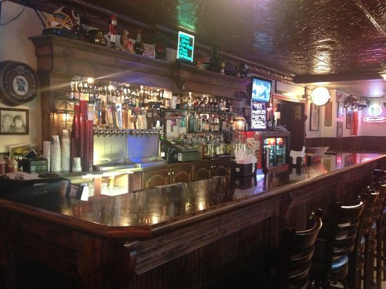Uncle Jack's Pizzeria & Pub : The Bar