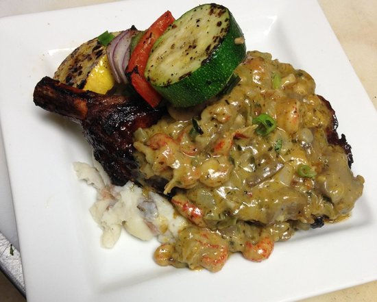 The Blue Cactus Cantina: Smoked porkchop