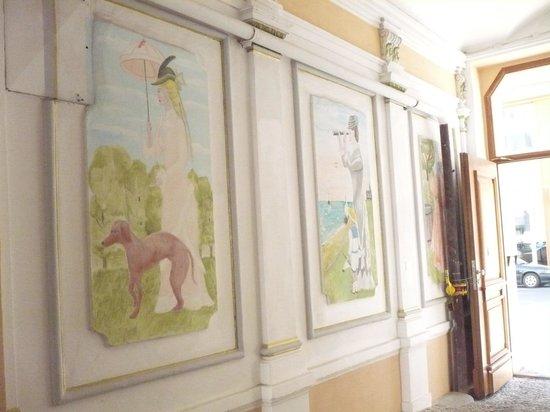 Residence Casa Italia: Corridor to rooms