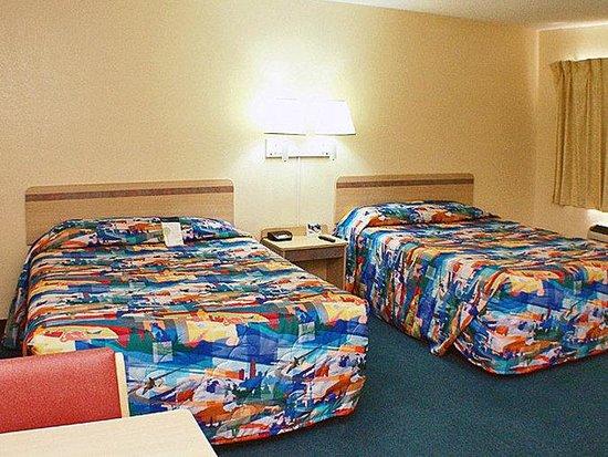 Motel 6 Canoga Park: MDouble