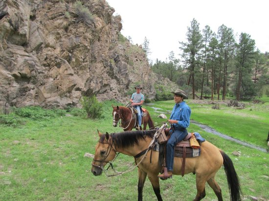 Geronimo Trail Guest Ranch : Out on a ride!  What fun!!