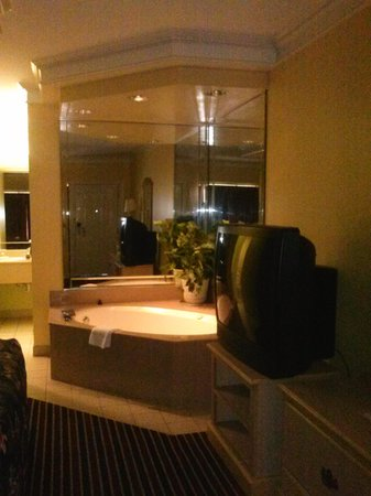 Days Inn Kingsland GA: Jacuzzi room