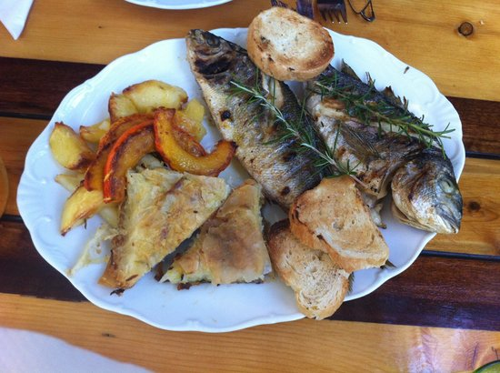 Pension Tonci: Fresh fish for supper!