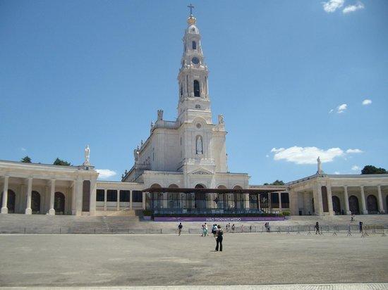 Basílica de Nossa Senhora de Fátima : bella