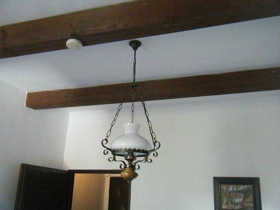 Hotel 100: Wood beam ceilings