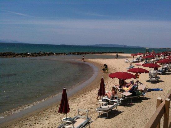 Golfo del Sole - Hotel & Holiday Resort: Spiaggia lato nord (verso Piombino)