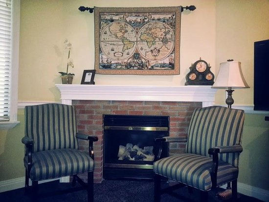 San Luis Creek Lodge: sitting area