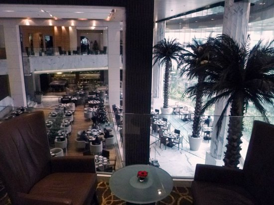 The Grand New Delhi : Lounge and dining area room