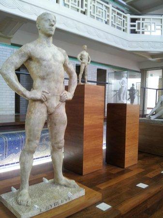Musée La Piscine : Athelete (x3)