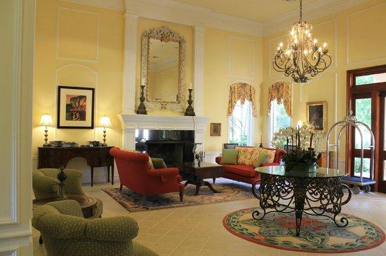 Trianon Old Naples: Lobby