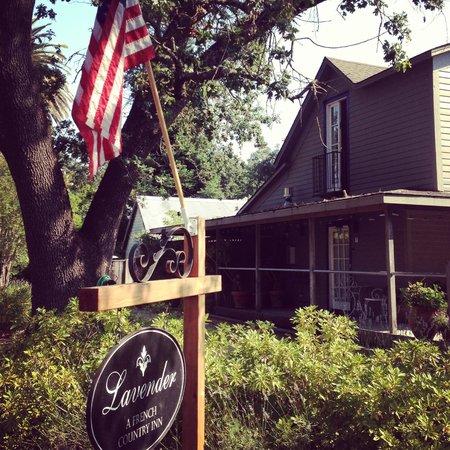 Lavender - A Four Sisters Inn: Entrada