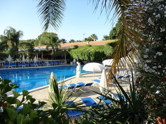 Piscine Dans Le Jardin Picture Of Sant Alphio Garden Hotel Spa Giardini Naxos Tripadvisor