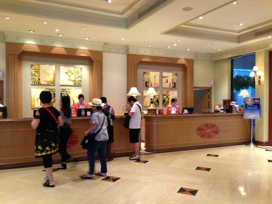 The Palazzo Bangkok: Receptionist Counter