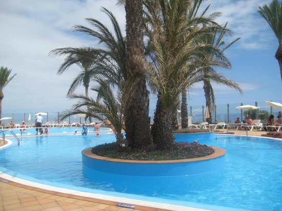 Pestana Grand Premium Ocean Resort: Pool area