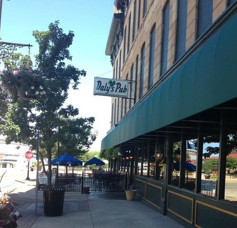 Daly's Pub : Outdoor Patio with a view