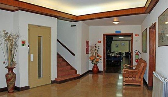 Hotel Santa Cecilia: Hall
