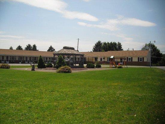 Knights Inn Mifflintown : Exterior