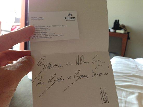 Evian-les-Bains, Prancis: Coucou ? Le champagne proposé dans la chambre est-il gratuit ?