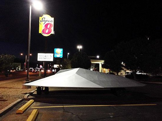 Super 8 Roswell: Alien Spacecraft Parking Area