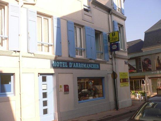 Hotel D'arromanches : Panorama Hotel di lato
