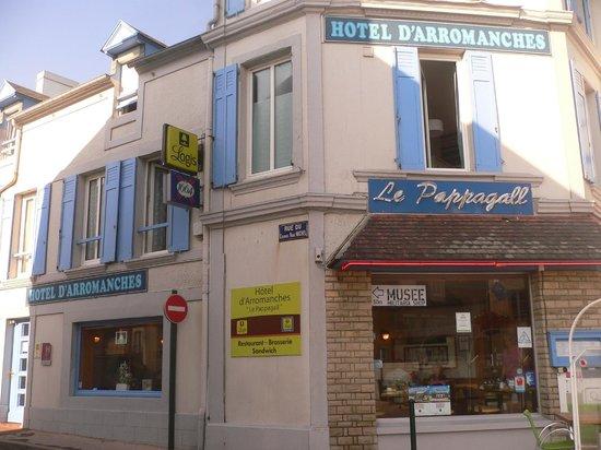 Hotel D'arromanches : Panorama Hotel sul davanti