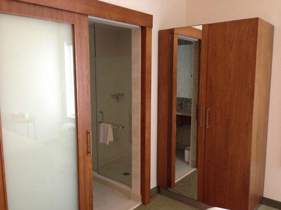 Staybridge Suites Houston IAH - Beltway 8: bathroom