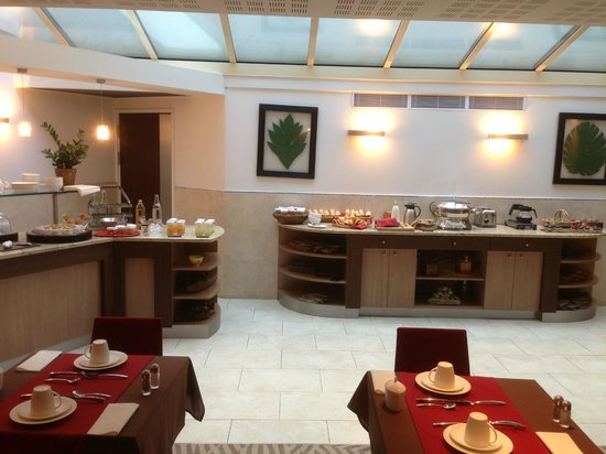Hotel Le Pre Carre : Petit déjeuner ... Que ça au menu ? Bof ...