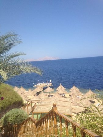 Maritim Jolie Ville Royal Peninsula Hotel & Resort: The view of red sea