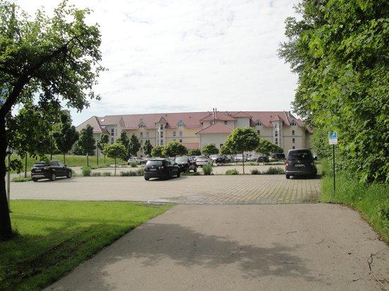 Parkhotel Maximilian Ottobeuren: Front of hotel