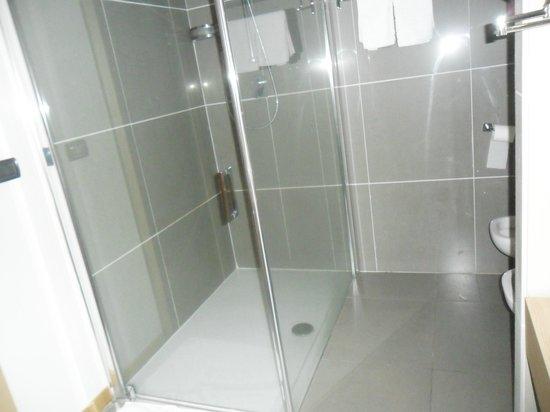 Hotel Esperia Palace: doccia bagno