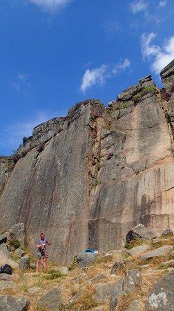 Peak Mountaineering Day Tours: Froggat, Peak District
