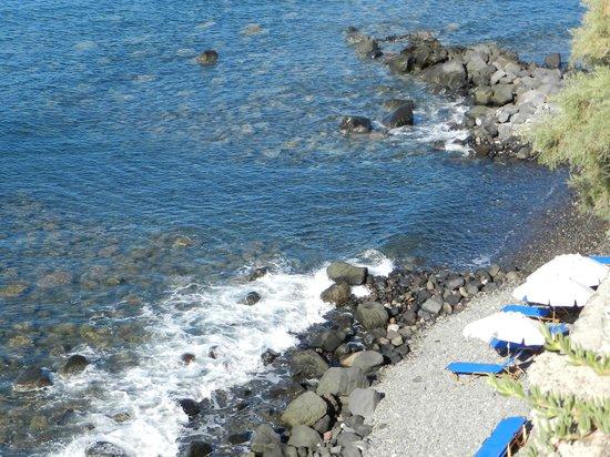 Akrotiri Hotel : Vieuw on the beach of the hotel