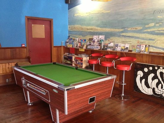 Oban Backpackers : Our Full Sized Pool Table