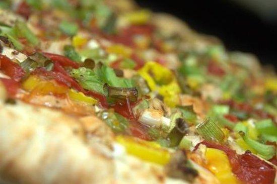 Coburg Pizza Company: Singapore Sweet Chili Chicken pizza