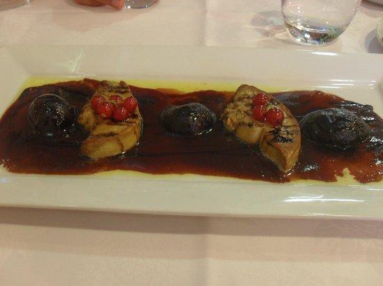 Restaurant L'Aquarium : Foie gras poêlés aux figues rôties et jus de Banyuls réduit