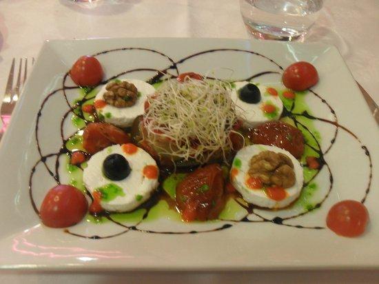 salade de ch 232 vre frais photo de restaurant l aquarium cyprien tripadvisor