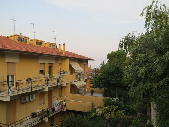 Hotel Alessandra: vista dalla camera 2