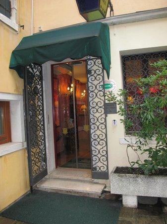 Hotel do Pozzi : Entrada