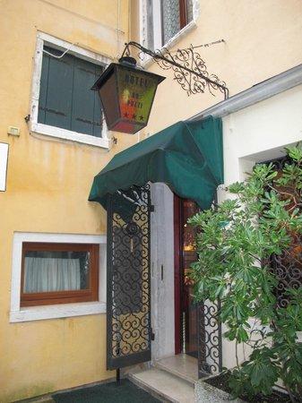 Hotel do Pozzi: Entrada