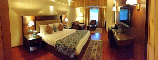 Photo of Hotel Broadway Srinagar