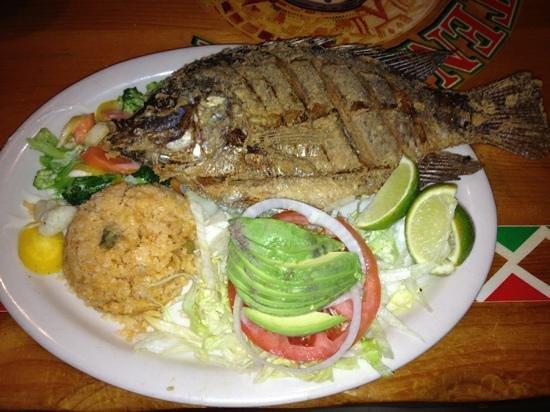 El Tenampa: Delicious Fried Fish