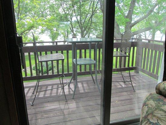 Wooden Diamond Bed & Breakfast : the little balcony