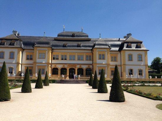 Hotel am Main: Nearby Schloss