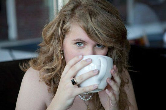Axum Coffee: My favorite picture of me at Axum during my senior pictures