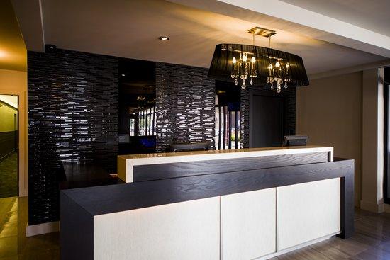 v hotel and suites c 1 1 0 c 101 updated 2018. Black Bedroom Furniture Sets. Home Design Ideas