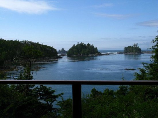 Bostrom's B&B On Little Beach Bay: View outside the Pacific Room